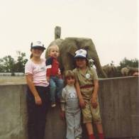 sibs at the zoo