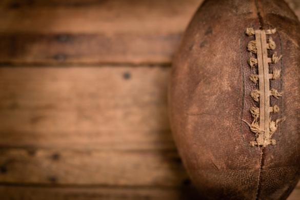 140912-vintagefootball-stock
